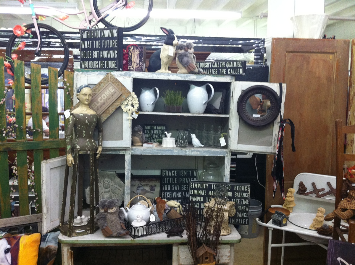Something Old, Something Borrowed, Something White: Antique Malls as Centers of White Nostalgia and Racism