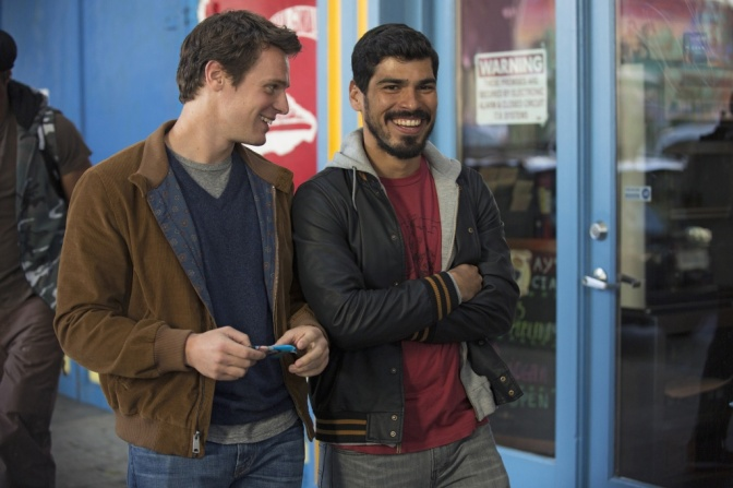 looking-raul-castillo