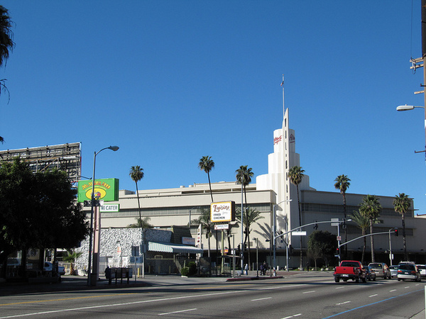 Baldwin Hills Crenshaw Plaza today | waltarrrrr/flickr/Creative Commons