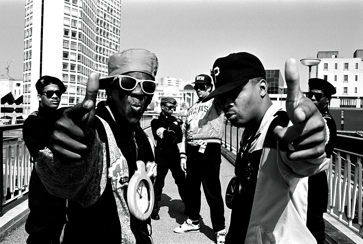 hip hop nationalism The successes of hip-hop moguls in the fashion industry has depended on their   culture rooted in urban music, black masculine aesthetics, and nationalism.
