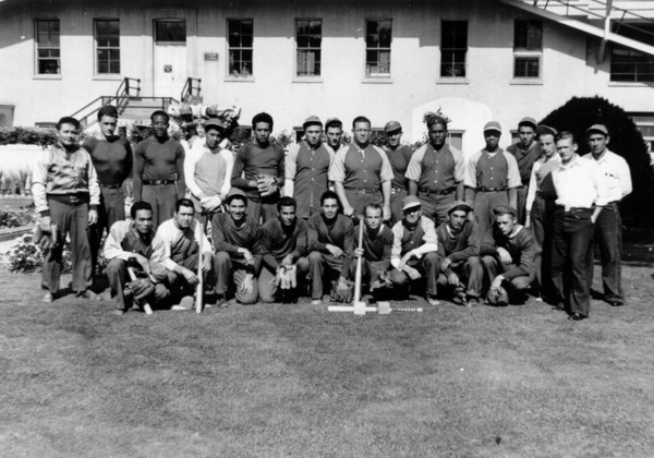A portrait of a minor league professional baseball team from Watts, the Golden Eagles, in the late 1930's. | Shades of L.A. Collection, Los Angeles Public Library