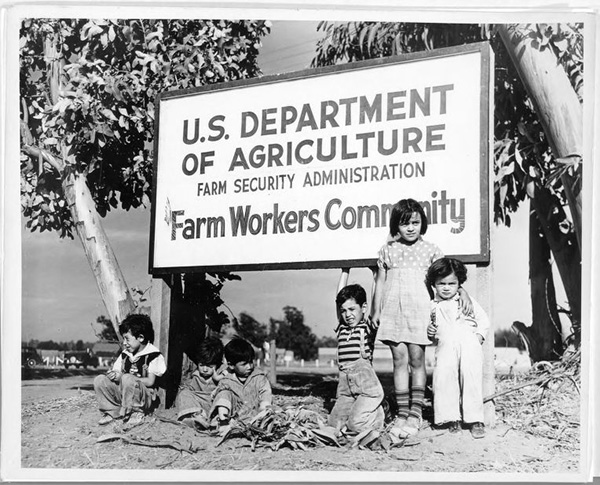 The homestead project was re-assigned under the Farm Securities Administration which was also responsible for Dust Bowl and Mexican migrant farm camps. 1941. Photo courtesy of Library of Congress.