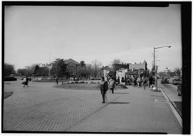 EASTERN MARKET METRORAIL STATION ENTRANCE IN RESERVATION NO. 44/45. - Eastern Market Metro Station, Washington, District of Columbia, DC, Historic American Buildings Survey, Prints and Photographs Division, Library of Congress