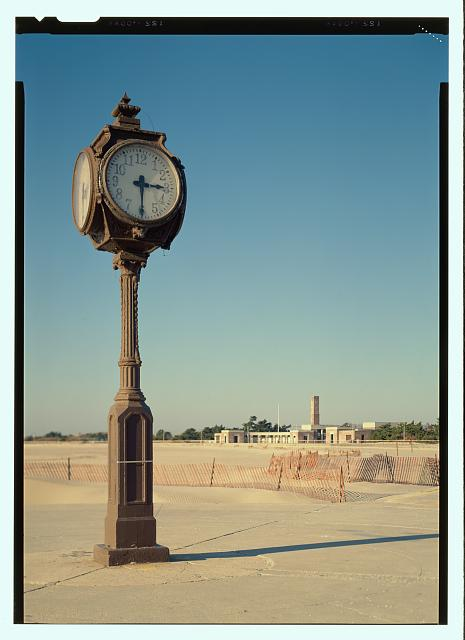 "Jack E. Boucher, ""View of the Riis clock (duplicate of HABS No. NY-6374-7) - Jacob Riis Park, Rockaway Point, Queens County, NY"", 1990, Historic American Buildings Survey Collection, Prints and Photographs Division, Library of Congress"